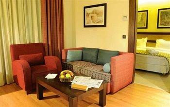 Coral Suites Al Hamra 5