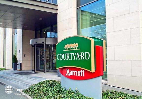 Courtyard Brussels 1