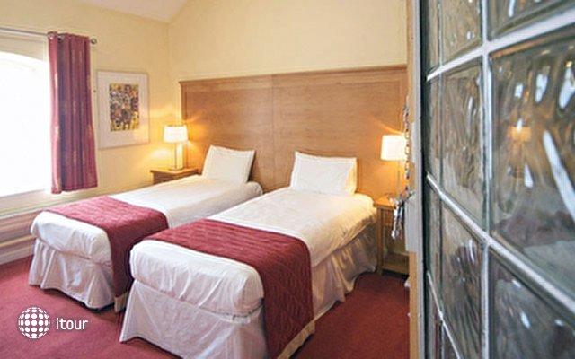 Isaacs Cork Hotel 4