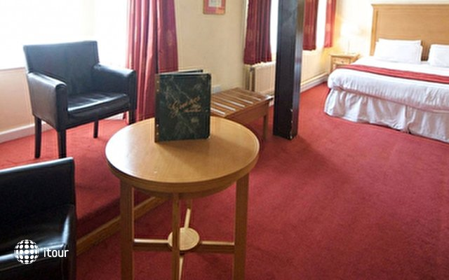 Isaacs Cork Hotel 9