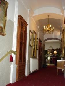 Athena Palace 9