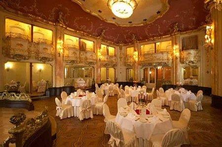 Grand Hotel Bohemia 9