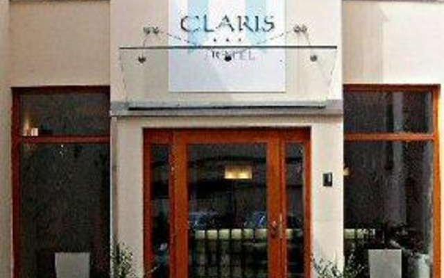 Claris 1