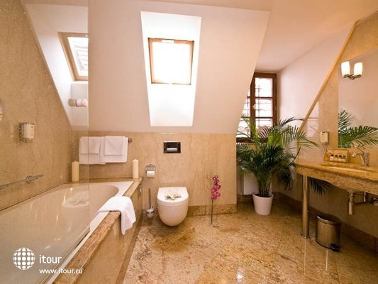 Santini Residence 5