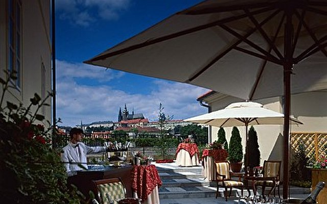 Four Seasons Prague 10