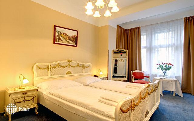 Hotel Taurus 9