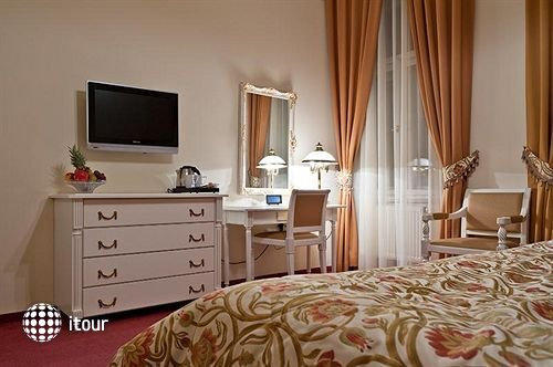 Alqush Downtown Hotel 5