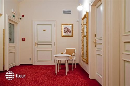 Alqush Downtown Hotel 7