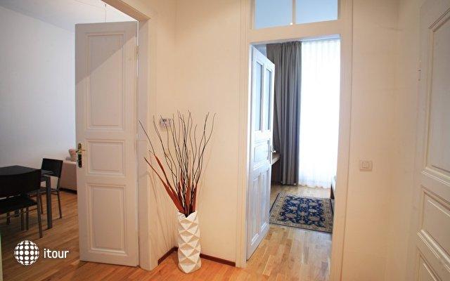 Myhouse Apartments 4