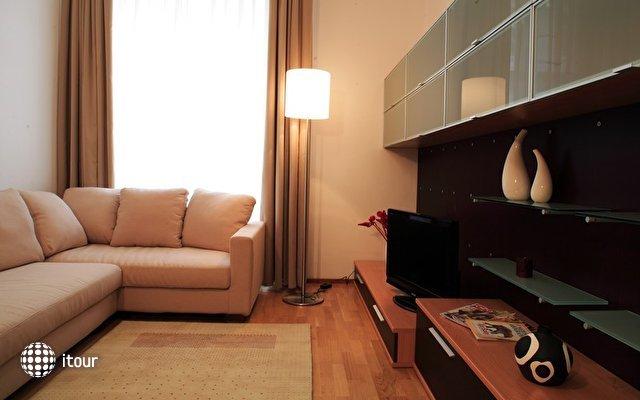 Myhouse Apartments 6