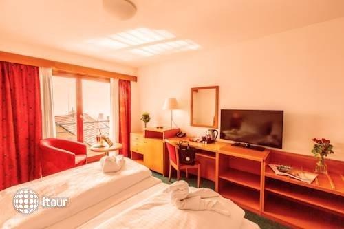 Hotel Troja 6
