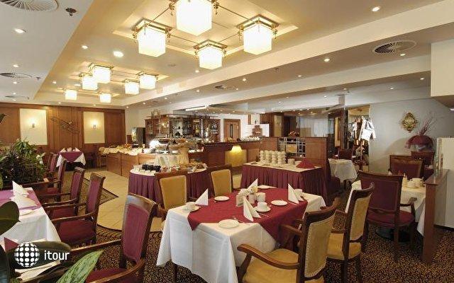 Ramada Grand Hotel Symphony 7