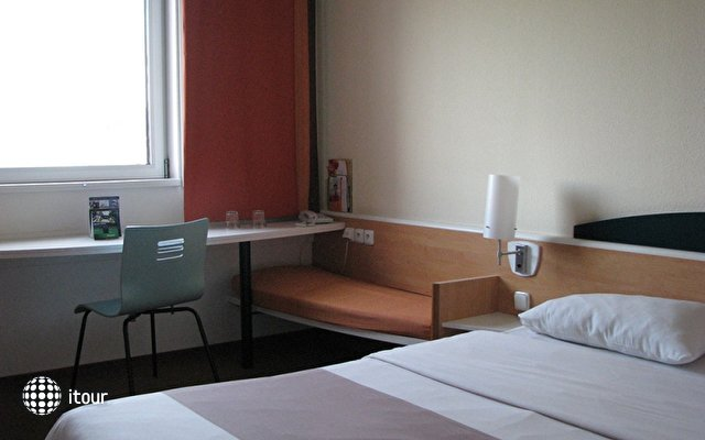 Hotel Ibis Mala Strana (ex. Ibis Praha Smichov) 4