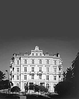 Bristol Palace 5