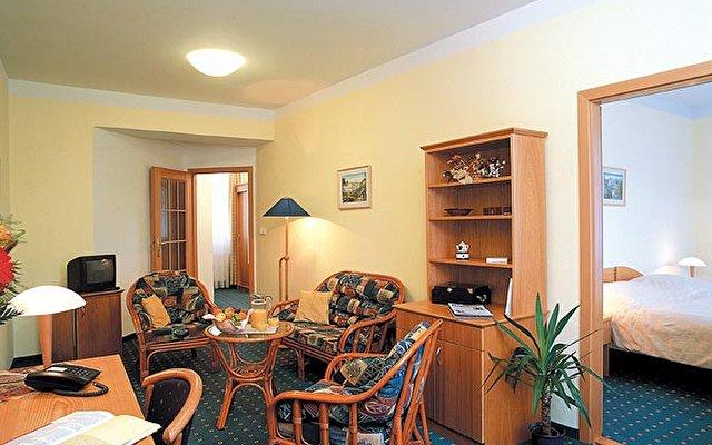 Hotel Jean De Carro 9