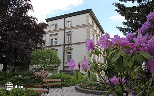 Kralovska Villa 1