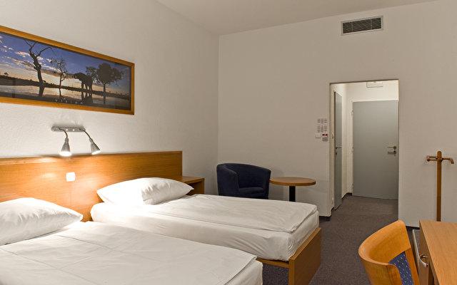 Avanti Hotel 6