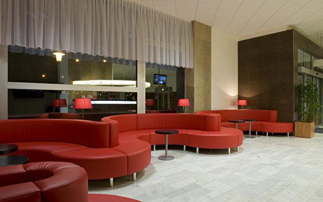 Avanti Hotel 8
