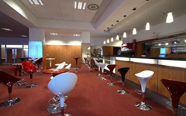 Avanti Hotel 3