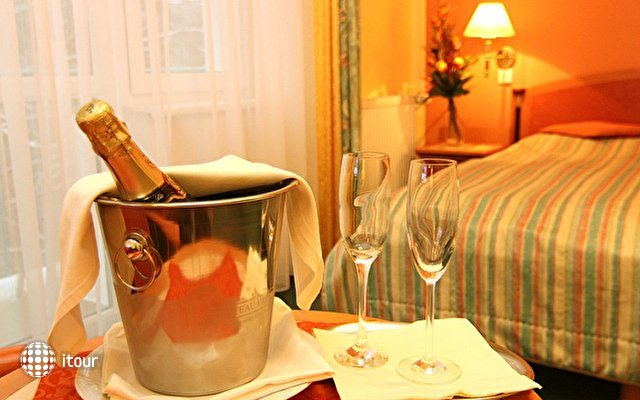 Villa Savoy Spa Park Hotel 6