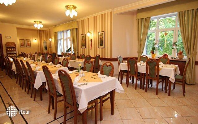 Villa Savoy Spa Park Hotel 10