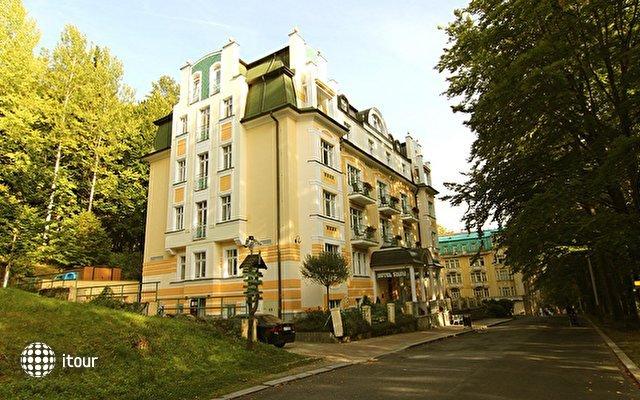 Villa Savoy Spa Park Hotel 1