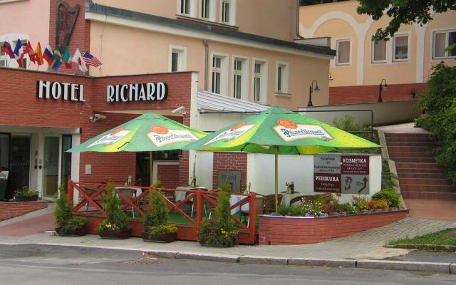Richard  8