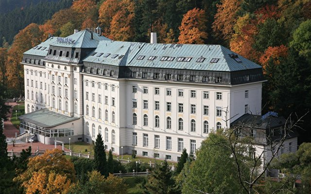 Radium Palace 1