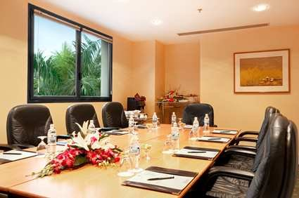 Hilton Hanoi Opera Hotel 10