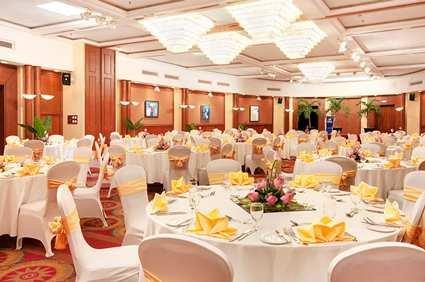 Hilton Hanoi Opera Hotel 6