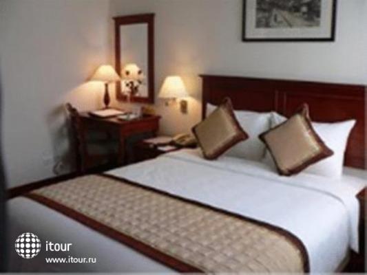 Zenith Hotel 8