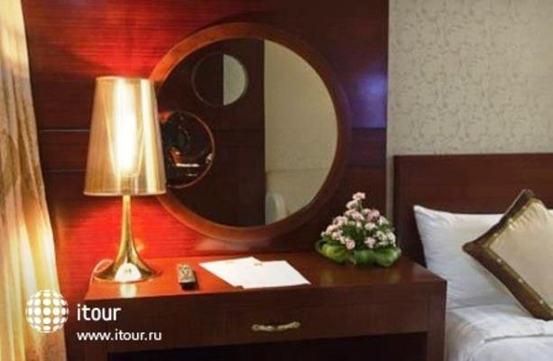 Twins Hotel 6