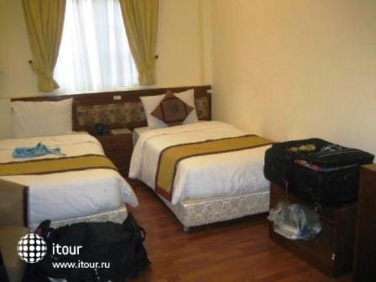 Hanoi Lake View Hotel 9