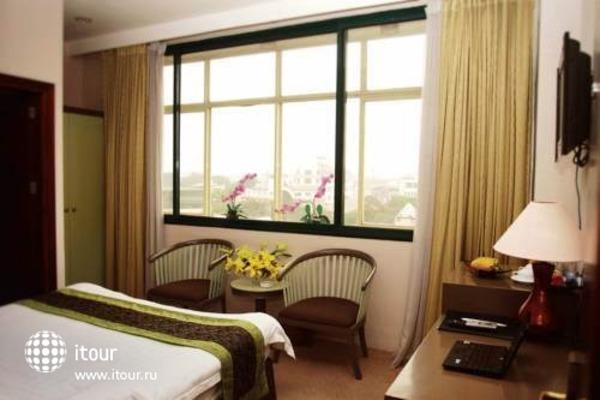 Tran Hotel 8