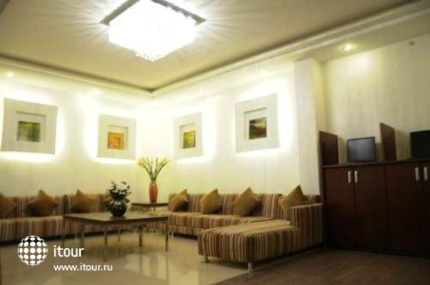 Tran Hotel 9