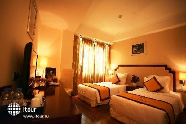 Royal Gate Hotel 5