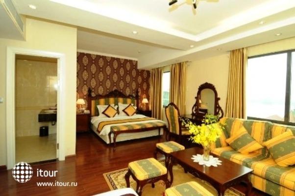 Royal Gate Hotel 10
