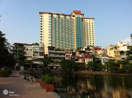 Sofitel Plaza 4
