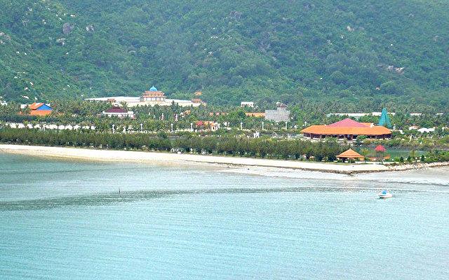 Diamond Bay Resort 7