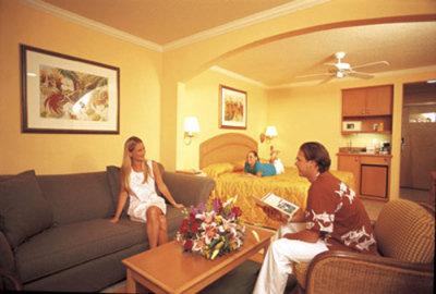 Comfort Suites Paradise Island  2