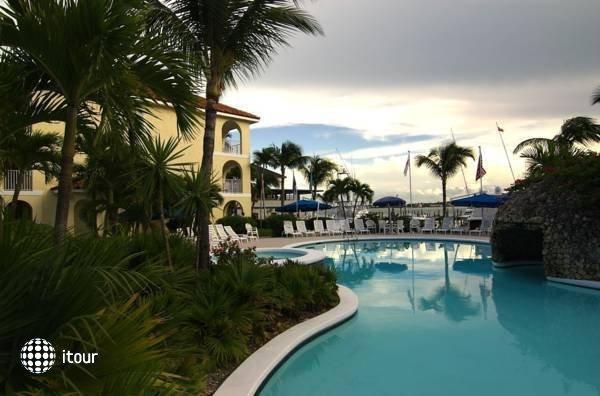 Paradise Harbor Club & Marina 7