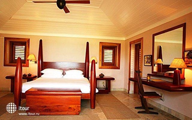 Pink Sands Hotel 2