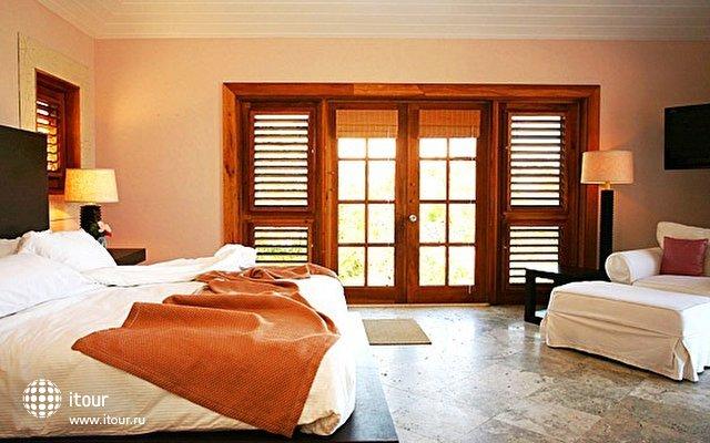 Pink Sands Hotel 3