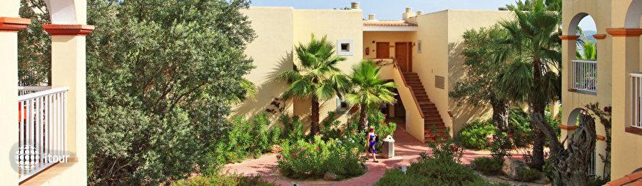 Sirenis Hotel Club Aura 2