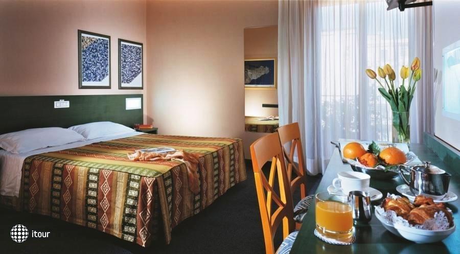 Best Western Hotel Mediterraneo 13