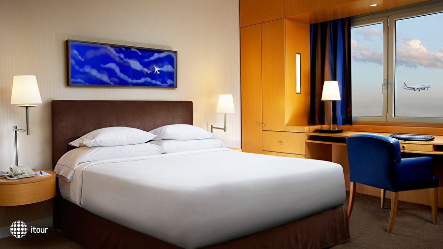 Sheraton Paris Airport Hotel & Conference Centre 5