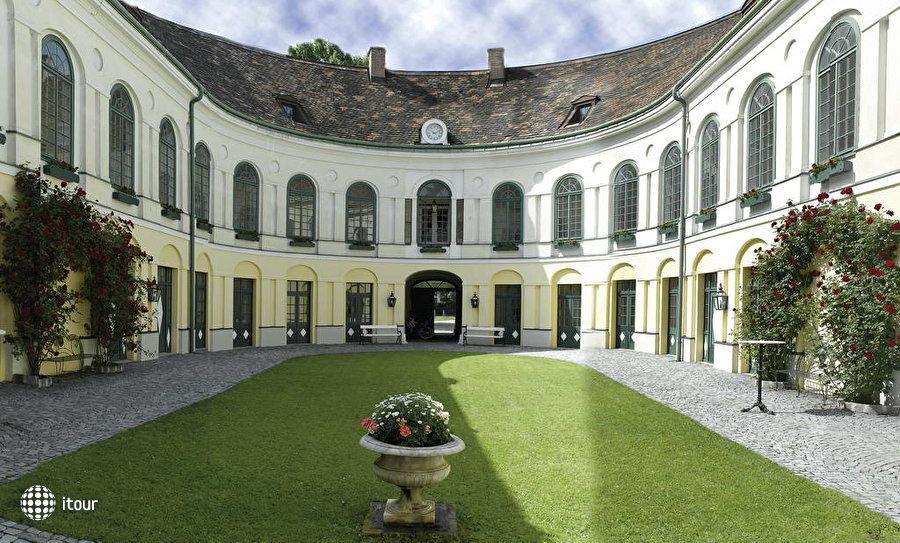 Grand Hotel Sauerhof 1