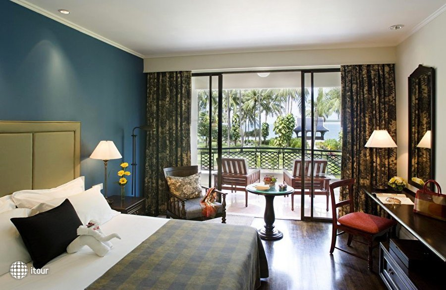 Centara Grand Beach Resort 3