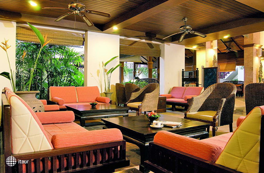 South Sea Karon Resort 8
