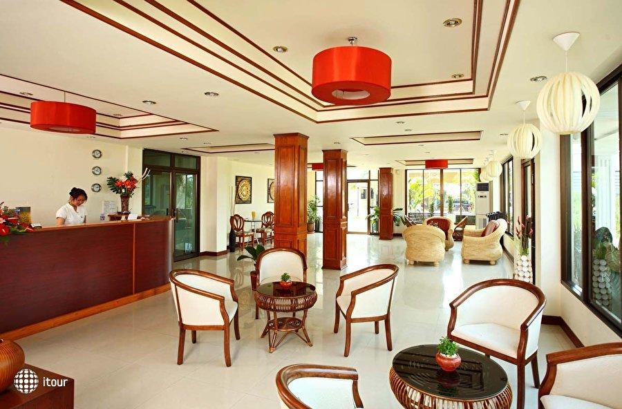 Palm Garden Hotel 5